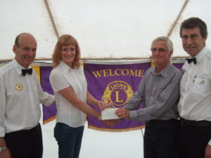 Uttoxeter Lions present URPC with £500 10.06.2017